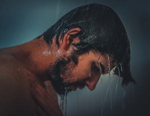 Homem no banho