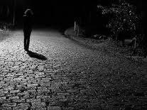 caminhando pela rua